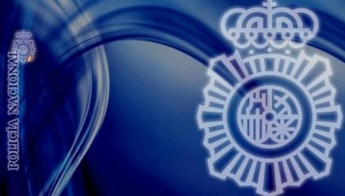 La Policía Nacional detiene a ocho individuos por intercambiar pornografía infantil a través de Internet.